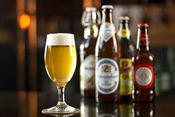 Várias cervejas