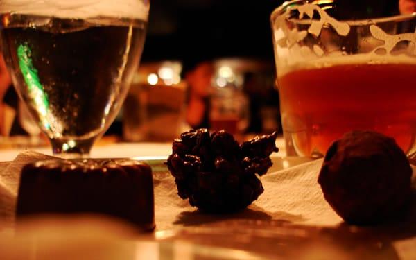 Chocolates harmonizando com cervejas