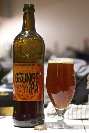 Garrafa da cerveja Grunge IPA