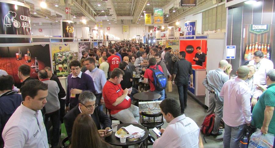Galera no Degusta Beer da Brasil Brau