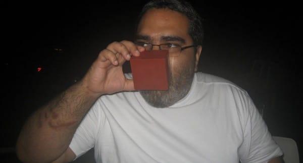 Raul bebendo sake no massu