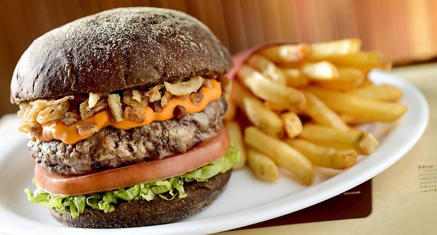 Hambúrguer com Cheddar de Jack Daniels
