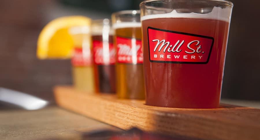 Copos de cervejas artesanais