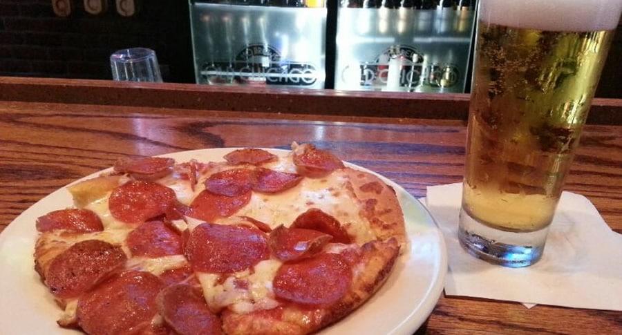 Pizza de cerveja com chopp