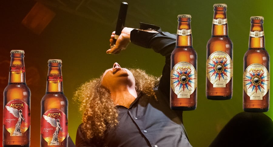 Vocalista do Angra com a Cerveja Angels Cry