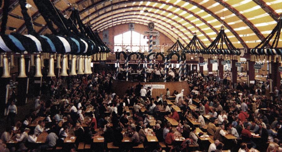 Balcão na Oktoberfest de Munique