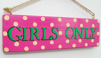 Placa com o dizer: apenas mulheres