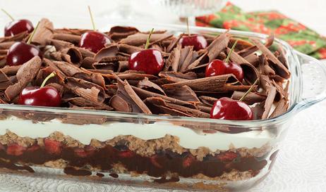 Pavê de Chocolate com Cereja banhado no conhaque