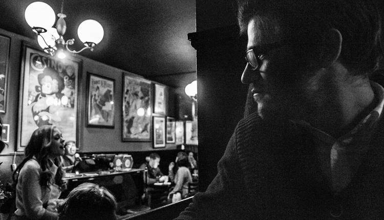 Mentiras ditas no bar pelos homens