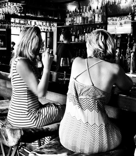 Mentiras ditas no bar pelas mulheres