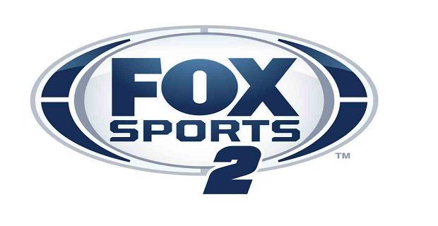 Marca do canal Fox Sports 2, mostrando que futebol e cerveja combinam