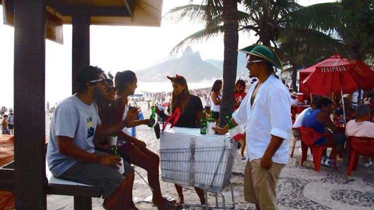 Isoporzinho na praia do Rio