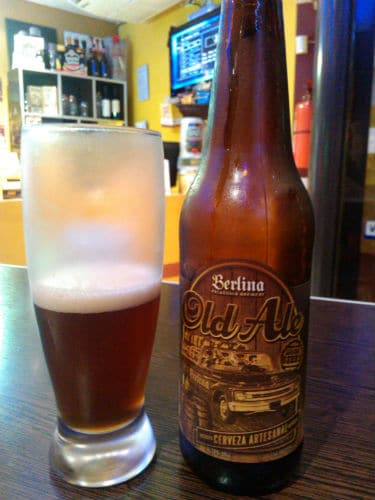 Garrafa da cerveja Berlina Old Ale  adquirida no Código Cerveza
