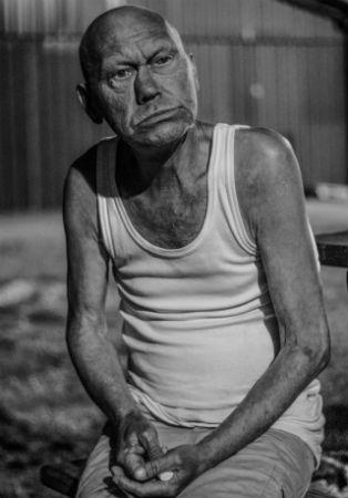 Homem velho bêbado