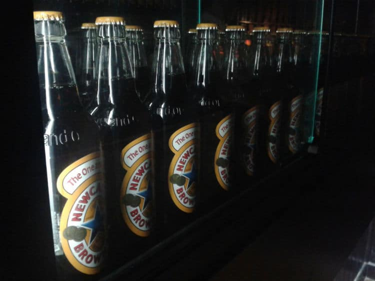 Garrafas da Newcastle Brown Ale