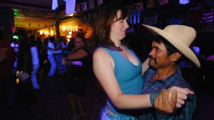 Barangueira dançando