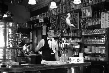 Garçom de um bar