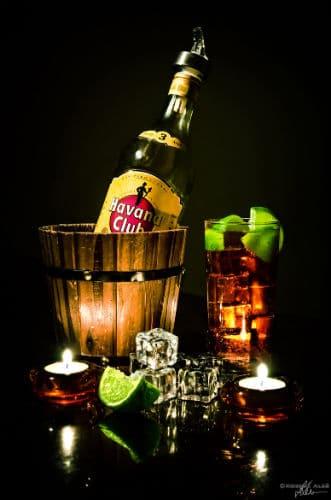 Garrafa Havana e drink Cuba Libre