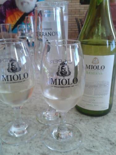 Garrafas do vinho Miolo
