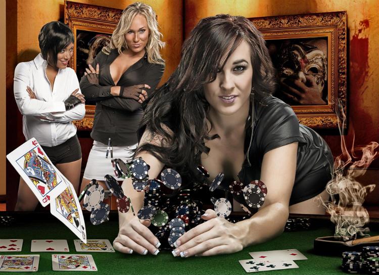 Mulheres jogando poker