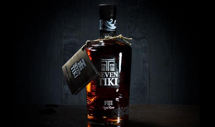 Garrafa do Rum Seven Tiki