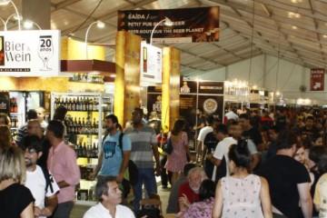 Galera no Mondial de La Bière
