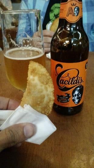Cerveja Cacildis e pastel
