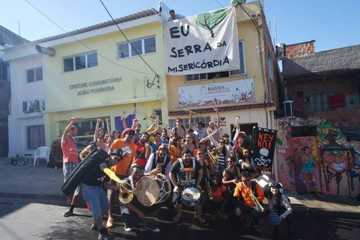 Galera reunida no Complexo do Alemão no Honk Rio