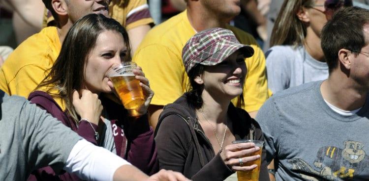 Mulheres com Bebida liberada no estádio