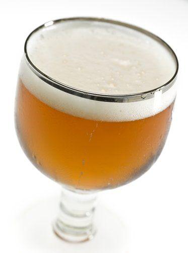copos de cerveja: cálice