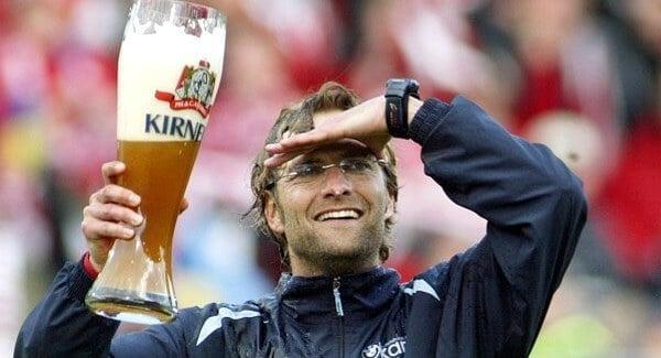 Jürgen Klopp com cerveja