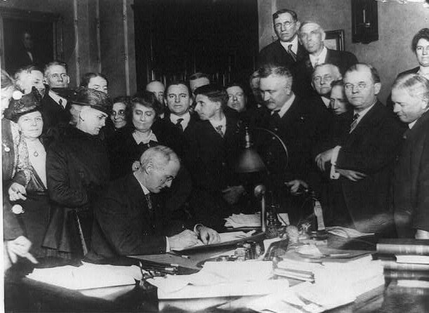 assinatura da lei seca norte americana