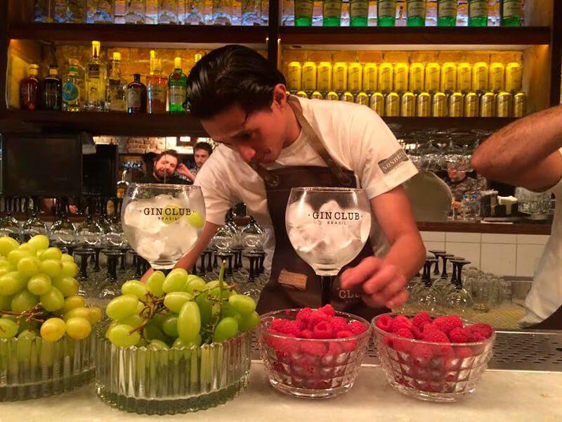 Uvas verdes e amora. Combinação perfeita para o G'vine, que também é de uva.