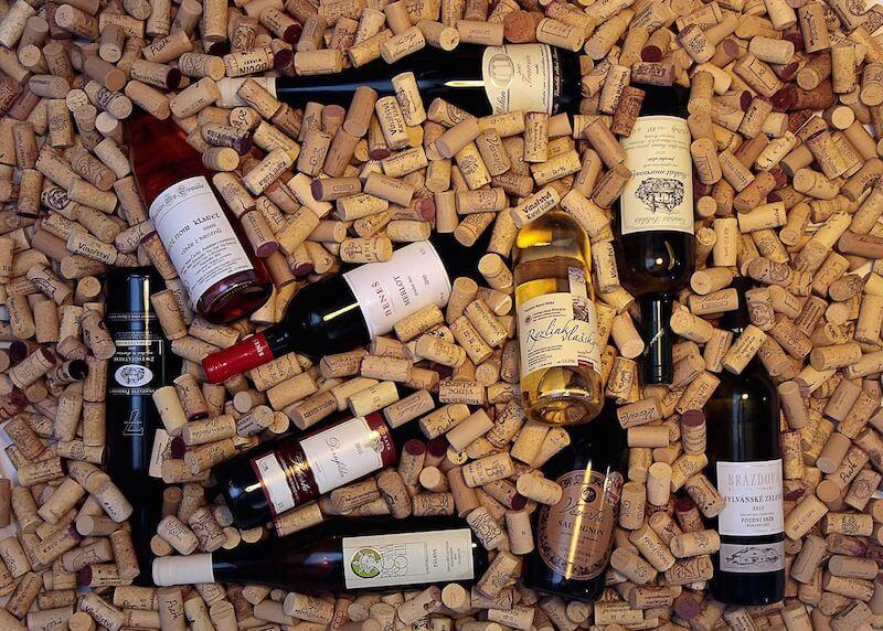 Resultado de imagem para rolhas e vinhos