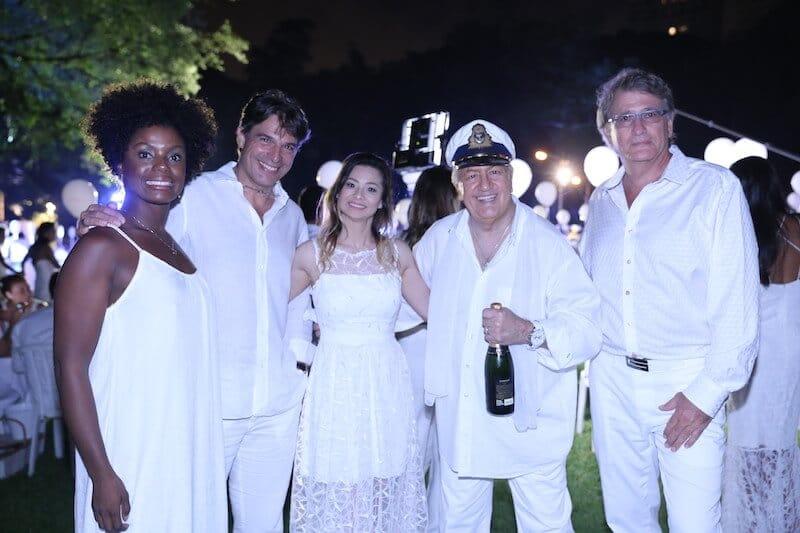 Adriana Alves, Olivier Anquier, Tami Meza, Fernando Elimelek e Joe Nagi Foto Lauro Uezono