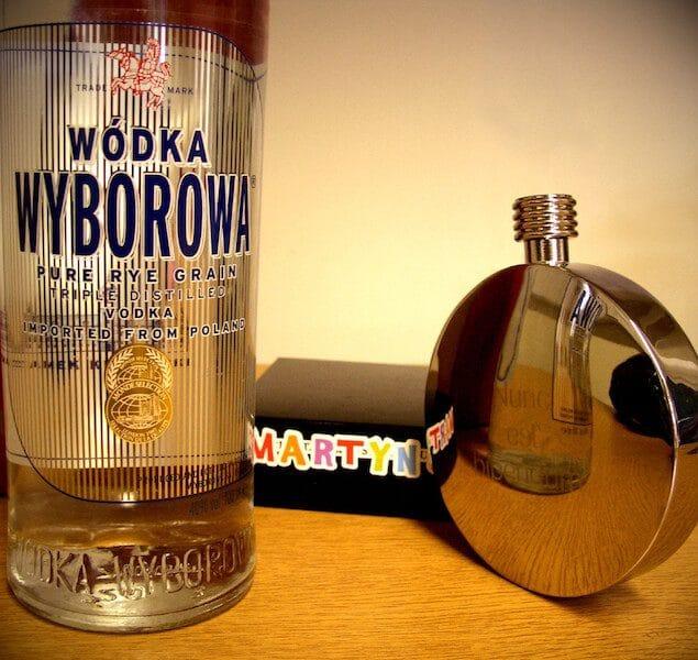 garrafa e cantil wyborowa