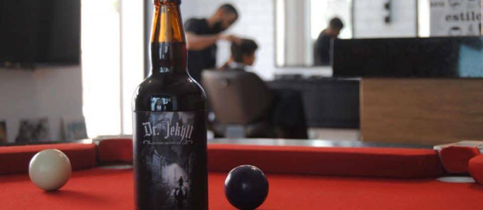 cerveja barbearia sinuca