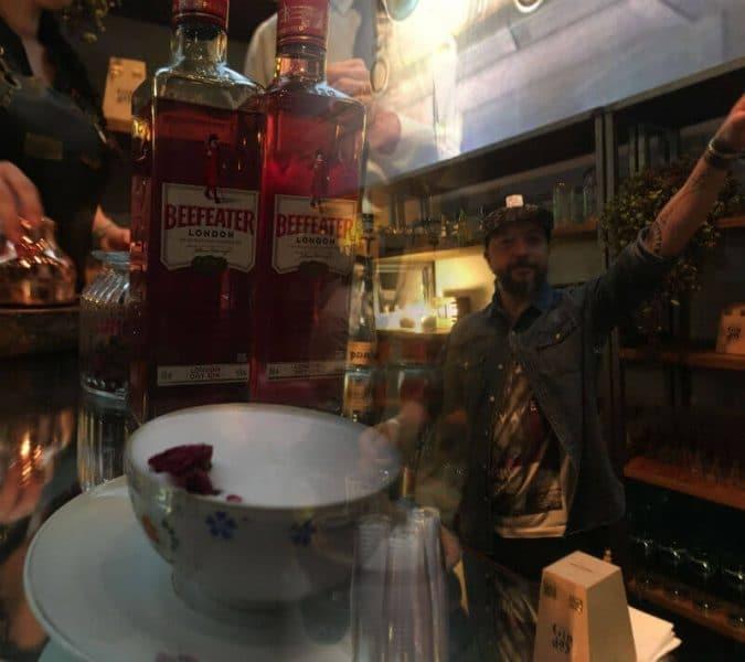 bartender com beefeather