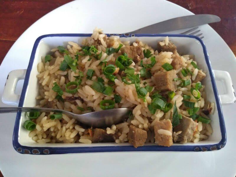 arroz carreteiro com carnezinhas